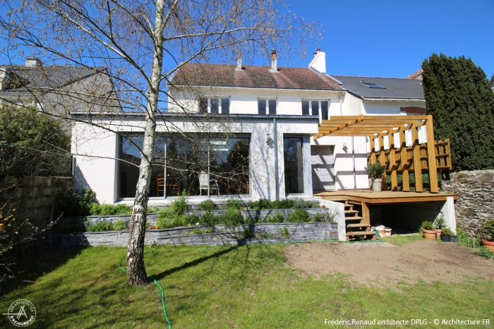 Maison architecte nantes cheap duune maison orvault with for Piscine orvault