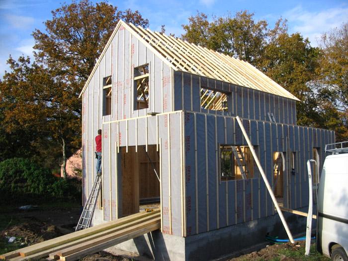 chantier maison bois, parreaux d'OSB et pare-vapeur