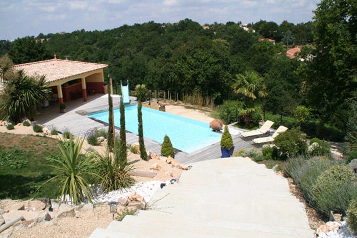 Maison sur les coteaux de st laurent sur s vre 85 - Jardin paysager avec piscine ...